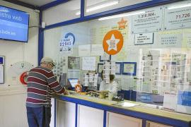 La venta de décimos de Lotería de Navidad cae un 60 % en Baleares por la crisis de la COVID-19