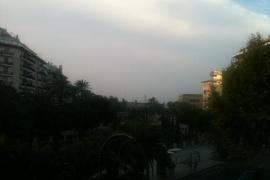 El humo y el olor a quemado de Valencia alarman en Palma