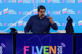 Europa está «pegada a la cola» de Trump, según Maduro