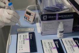 Sanidad asigna al aeropuerto 25.600 test de antígenos para control de pasajeros