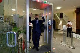 Canarias ofrecerá test a los residentes en las islas que regresen por Navidad