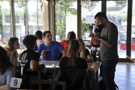 Los restauradores respetan la limitación de las comidas de empresa