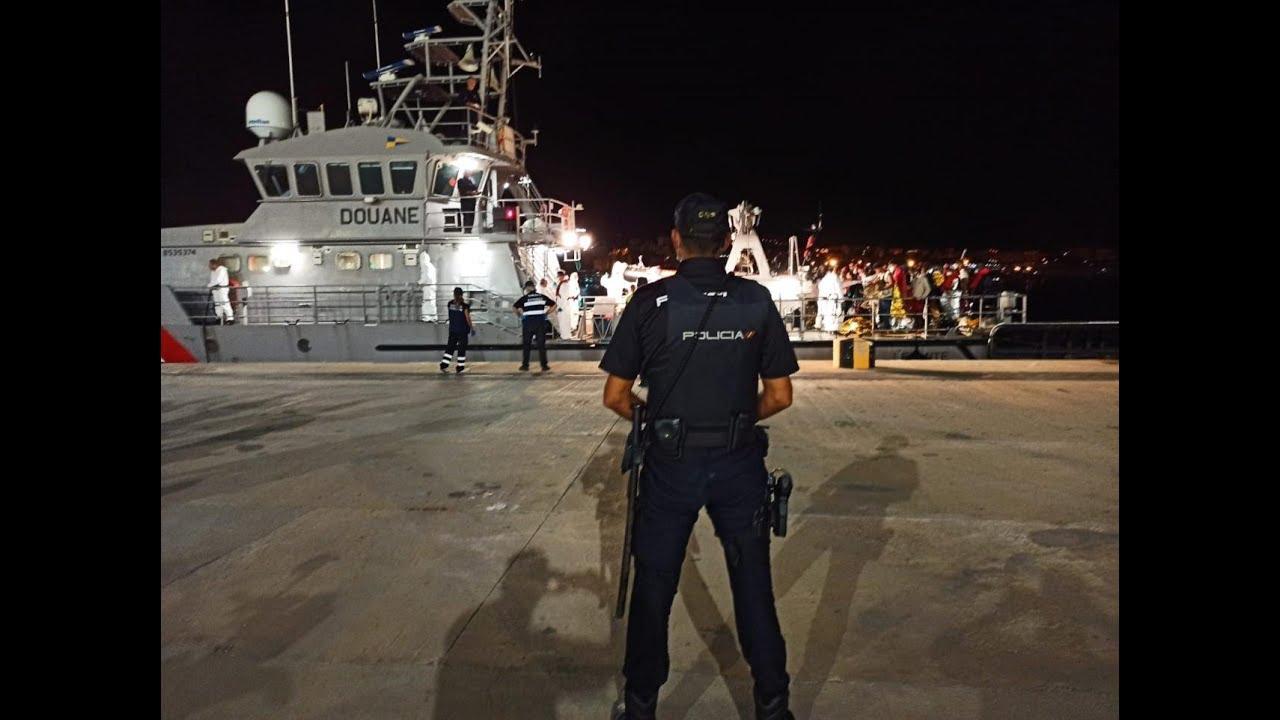 Vigilantes de seguridad custodiarán a los migrantes llegados en patera en hoteles de Palma