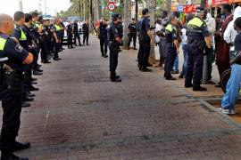 Máxima tensión en s'Arenal al encararse los vendedores de color con la Policía Local