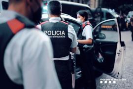 Investigan la muerte violenta de una mujer en un piso de Barcelona
