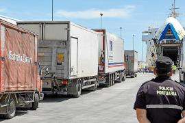 La Federación de Transportes de Mercancías: «Mandar a los camioneros a dormir a los polígonos no es legal»