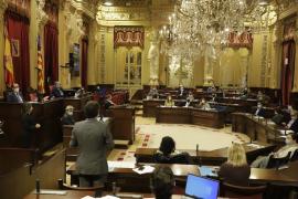 El Parlament pide la plena jubilación para quienes hayan cotizado 40 años o más
