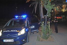 Detenido tras atacar a un primo con una botella rota en la Platja de Palma