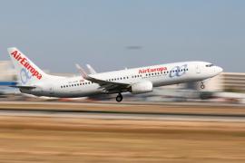 Govern y transportistas, preocupados por la compra de Air Europa