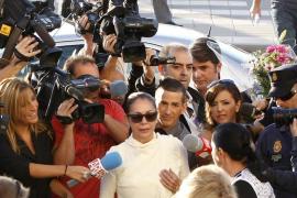 El abogado de Pantoja compara la situación de la cantante con la de la infanta Cristina
