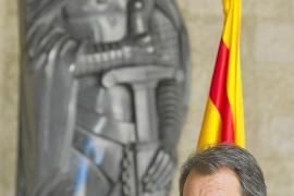Mas llama a «votar sin miedo» pese al discurso que llega desde España