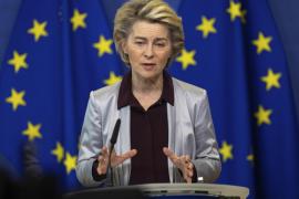 Bruselas cierra un contrato con Moderna para adquirir 160 millones de dosis de su vacuna