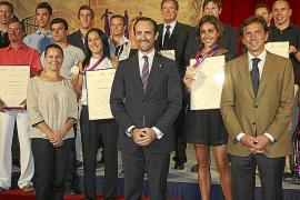 Reconocimiento institucional a deportistas olímpicos y paralímpicos