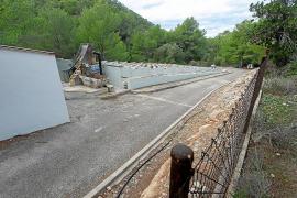 Las instalaciones obsoletas de la antigua depuradora de Portinatx, sobre las que se instalará la nueva