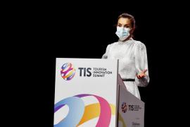 La Reina Letizia agradece el «esfuerzo enorme» del sector turístico durante la pandemia