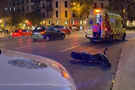 El conductor de un patinete se da a la fuga tras chocar contra una moto en la Vía Alemania de Palma