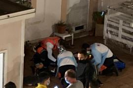 Una mujer se precipita desde un cuarto piso en Palma