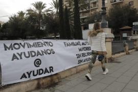 'Ayúdanos @ ayudar': un movimiento desconocido 'inunda' las calles de Palma
