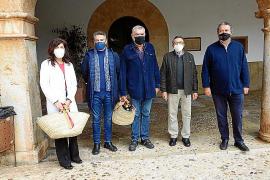 Jaume Vich y el centro de salud reciben el Brot de Pi de Santa Maria