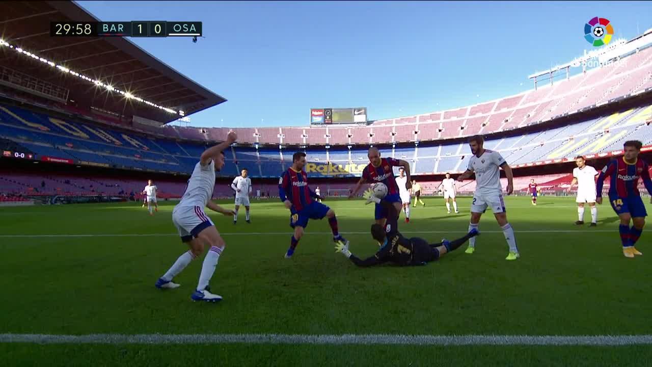 El Barça golea a Osasuna en el homenaje a Maradona
