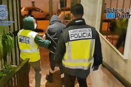 Detenidos dos jóvenes por vender drogas cerca de un centro escolar de Palma