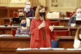 Armengol critica que Vox use el Parlament para hacer mítines de dos minutos para compartir en redes sociales