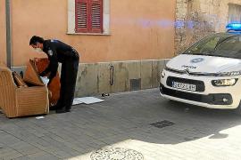 Multa de hasta 1.500 euros a un vecino de Manacor por dejar una butaca en la vía pública