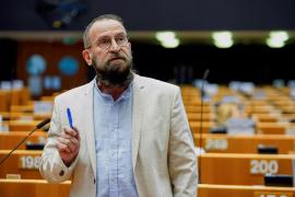 Declaraciones del organizador de la orgía en Bruselas: «Hablamos un poco, bebemos algo, y también tenemos sexo unos con otros»