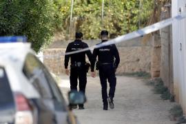 La policía busca al dueño de un perro tras matar dos pavos en una finca en Playa de Palma