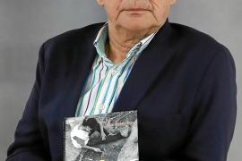 Joan Riera: «El olvido del pasado es la locura, la memoria supone la lucidez»