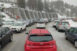 Tiempo invernal y malas ideas: la montaña se satura de visitantes