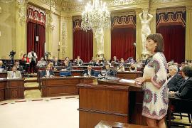 Armengol se suma al federalismo y reprocha al president que no tenga «orgullo de país»