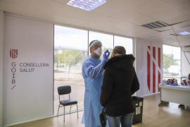 Nueve de cada diez enfermos de COVID de Baleares se recuperan en casa