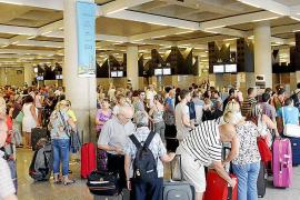 Son Sant Joan supera en septiembre por vez primera los tres millones de pasajeros