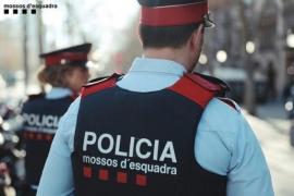 Los Mossos apartan a un agente de Información por un supuesto espionaje político