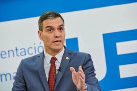 Sánchez advierte que para que la vacuna funcione debe llegar a todos a la vez