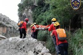 Rescatada una mujer tras accidentarse mientras practicaba senderismo en el Puig de l'Ofre