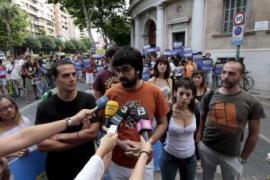 Absuelven a los cuatro acusados de quemar banderas españolas en la Diada de 2010