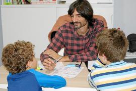 La atención especializada favorece la autonomía de las personas con autismo