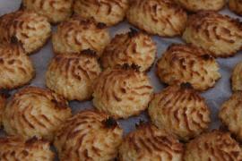 Cómo hacer coquitos o cocos artesanos de Navidad, paso a paso
