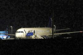 Turquía afirma que el avión sirio al que obligó a aterrizar llevaba munición a Al Asad