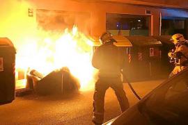 Tres años de cárcel por quemar un contenedor de Emaya