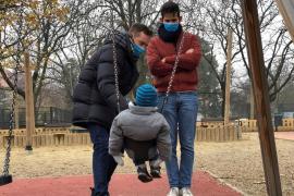 Hungría impide por ley la adopción a las parejas de un mismo sexo