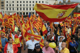 Varios miles de personas se concentran en Barcelona por la unidad de España