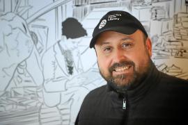 Joaquín Zapata: «Siempre he pintado, el que iba para artista de la familia era yo»
