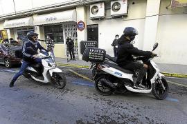 La llegada de los repartidores a Cáritas
