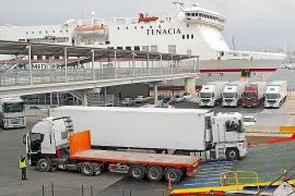 Los distribuidores de Baleares amenazan con llevar 1.500 camiones al Consolat