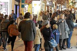 La policía cerrará calles al tránsito de peatones en Palma si detecta aglomeraciones