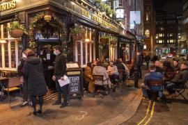 Confinamiento máximo en Londres: restauración cerrada y veto a las reuniones