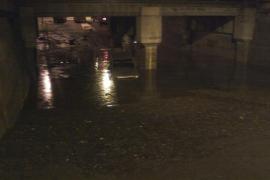 Puente de Pont d'Inca Parc inundado
